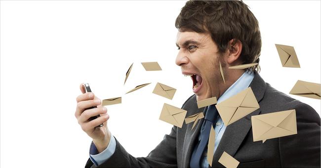 怒ってないのに「ケンカ腰」、IT現場にはびこる問題メール