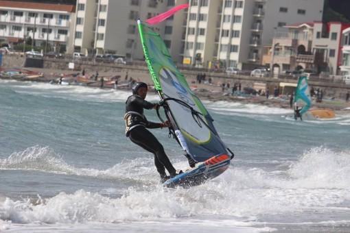 風をあやつり技を魅せる、海のフィギュアスケート。