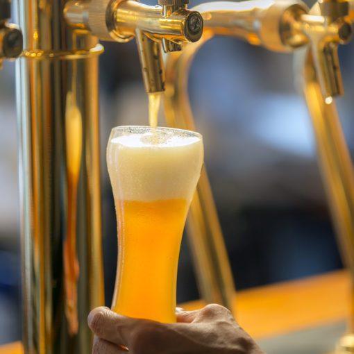 歴史地区でつくる、手仕込みのクラフトビール