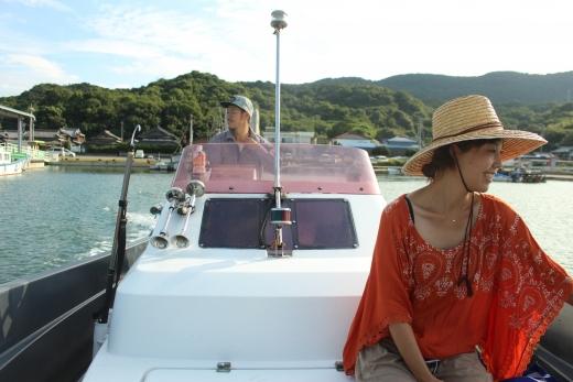 【豊島】「生活」至上主義。畑も船も楽しむ、離島のアーティスト夫妻 usaginingen