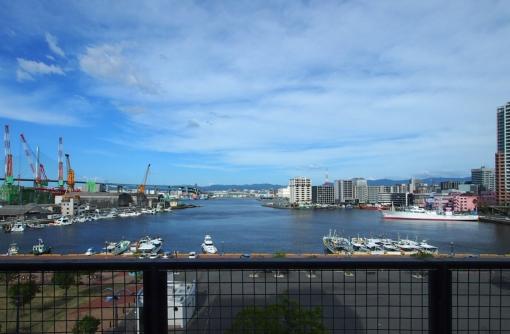 海と空が広がる眺望(5階からの眺望)