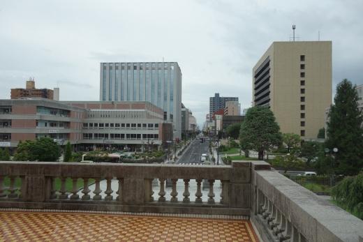 地場の石をつかった百年建築「旧県庁舎及び県会議事堂」/建築で巡るやまがた(2)
