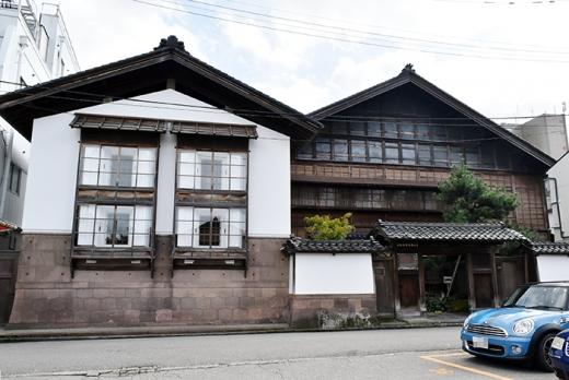 金澤町家のフリースペース「金沢学生のまち市民交流館」