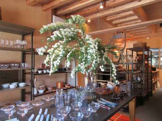 食卓の風景をつくる「PIMONIHO(ピモニホ)御成ふくろ小路店」オープン