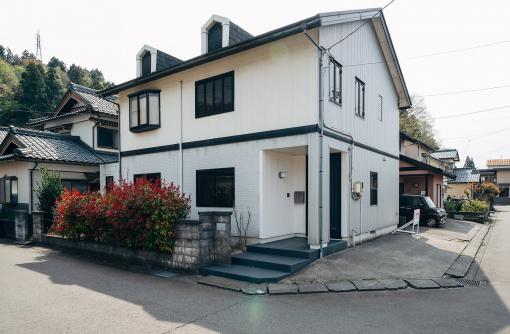 本と、いきものの、いとしい距離【リノベーション住宅】