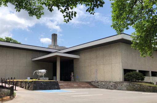 山形ゆかりの大手組織による堅実でシックな建築群「山形県立博物館ほか」/ 建築で巡るやまがた(8)