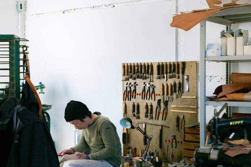 ハンドメイドの革靴を日常に送り込む ツムジ靴店 - 芦屋の横顔 vol.3 -
