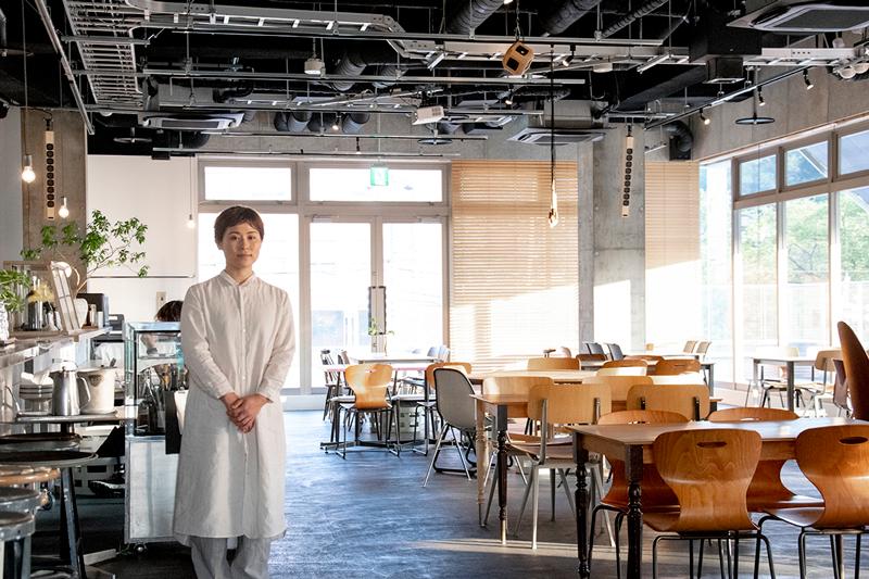 """食を通じた人との出会い。地域と共に成長するレストラン TT"""" a Little Knowledge Store"""