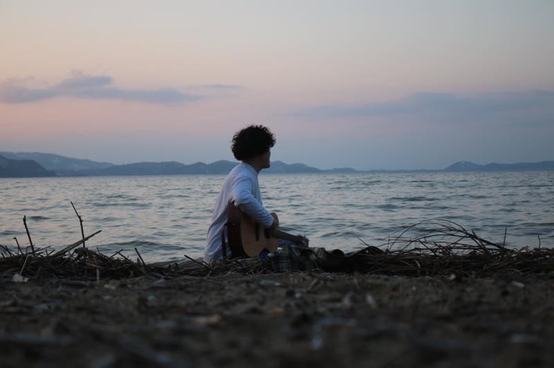 【郡山/連載】「音楽のまちで、」vol.1 / 歌を通して、誰かの居場所をつくりたい。甲斐大河さん