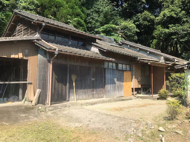 【SALE】鹿児島市本城町 720万円 建物 128.91㎡ 敷地 1,637㎡