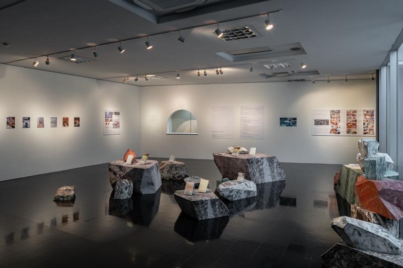 【愛知県長久手市】部屋の中に巨石がゴロゴロ。不思議な空間でショートフィルムを観ませんか?