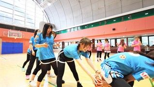 周年記念イベントとして、みんなで体育館を貸し切って運動会♪<BR>全店舗が集まって、親交を深めます!