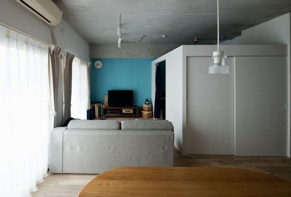 色を愉しむ家