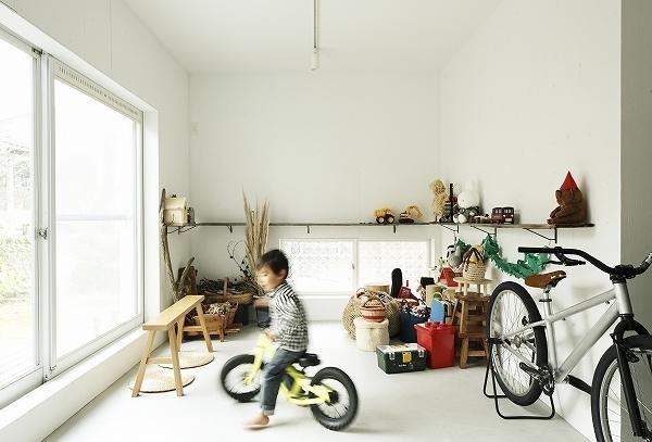 郊外住宅を子育て世代へ継承「みたけ台の家」