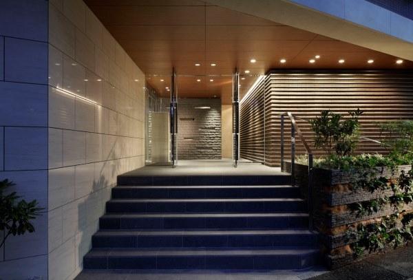 「ロケーション」と「広さ」を兼ね備えた邸宅空間/R100 TOKYO
