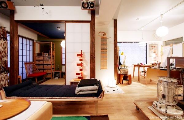 京町屋からヒントを得た、デザイナース家具と照明を楽しむ和空間