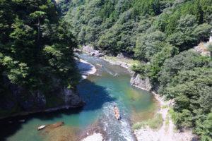 鬼怒川ライン下りの魅力を紹介!極上の渓谷美を堪能する