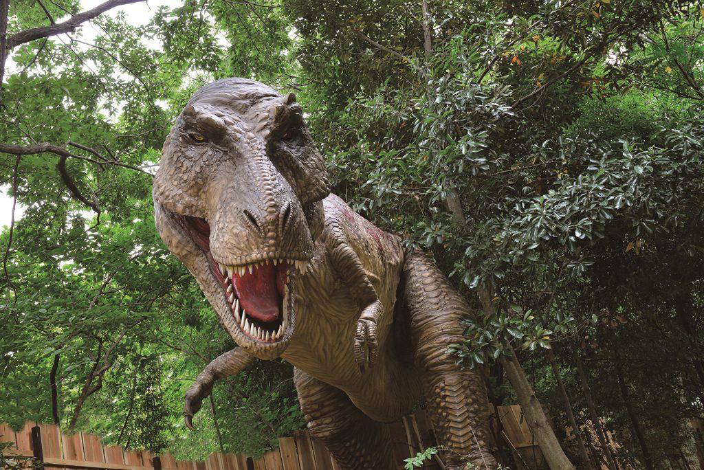 最強肉食恐竜ティラノサウルスの実物大の模型/ディノアドベンチャー名古屋(愛知県)