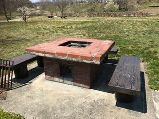 レンガで組まれた野外炉/万葉クリエートパーク(宮城県/大衡村)