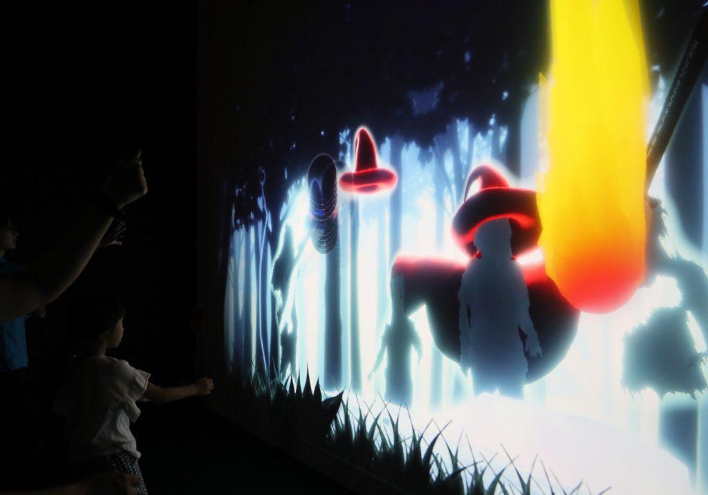 デジタル影絵遊び「SHADOW WORLD」/リトルプラネット KITE MITE MATSUDO(千葉県/松戸市)