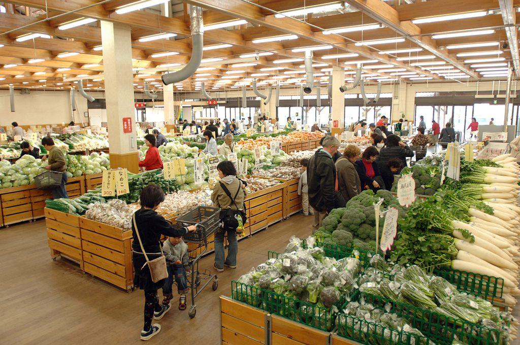 地元の農産物が並ぶ「はなまる市」/JAあぐりタウンげんきの郷(愛知県/大府市)