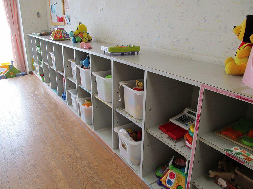 乳幼児室のおもちゃの棚/とだがわこどもランド(愛知県名古屋市)