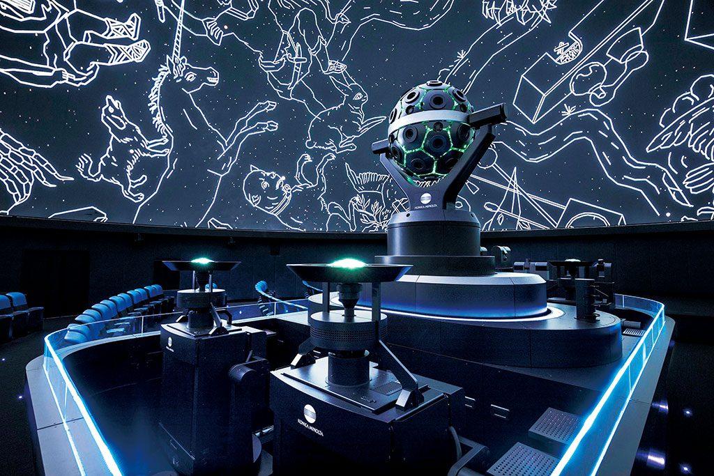 最新鋭のプラネタリウムで映し出される星空/福岡市科学館(福岡県)