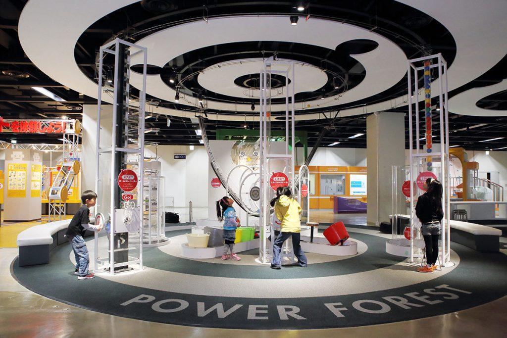 子どもたちが大好きな体験型の展示物/札幌市青少年科学館 (北海道/札幌市)