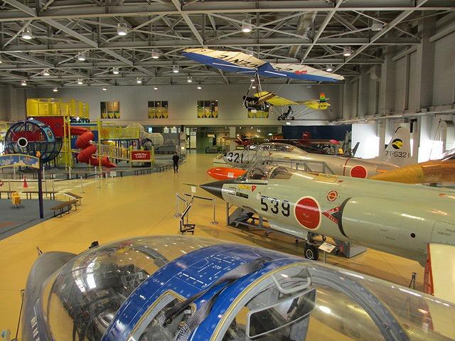 各飛行機の実機展示場/石川県立航空プラザ(小松市)