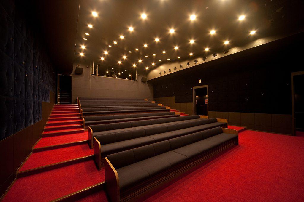 200インチの大型スクリーンを備えたF シアター/川崎市 藤子・F・不二雄ミュージアム(神奈川県)