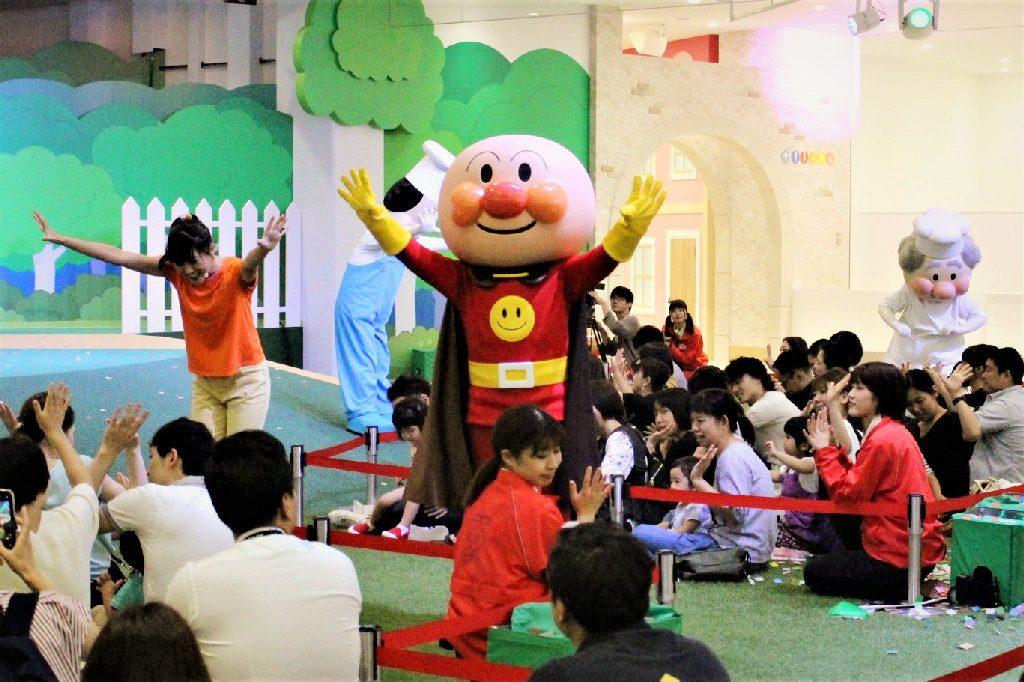 近くまでアンパンマンが!大迫力のメインステージ/横浜アンパンマンこどもミュージアム(神奈川県/横浜市)