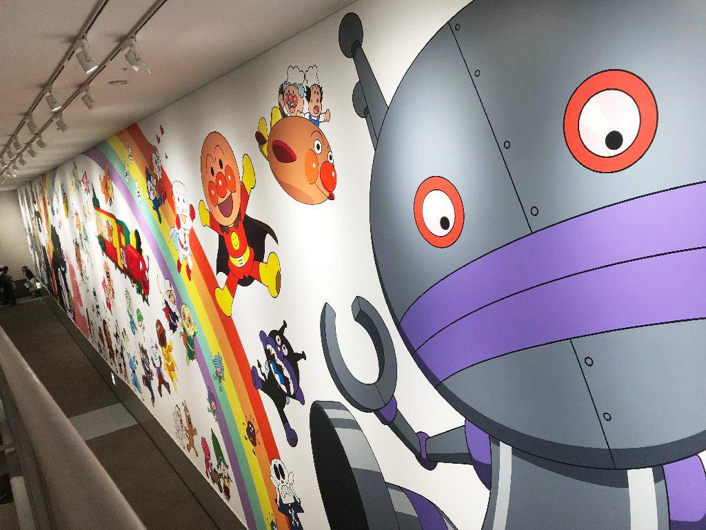 100人のキャラクターが大集合の3階から出口へ続くスロープ/横浜アンパンマンこどもミュージアム(神奈川県/横浜市)