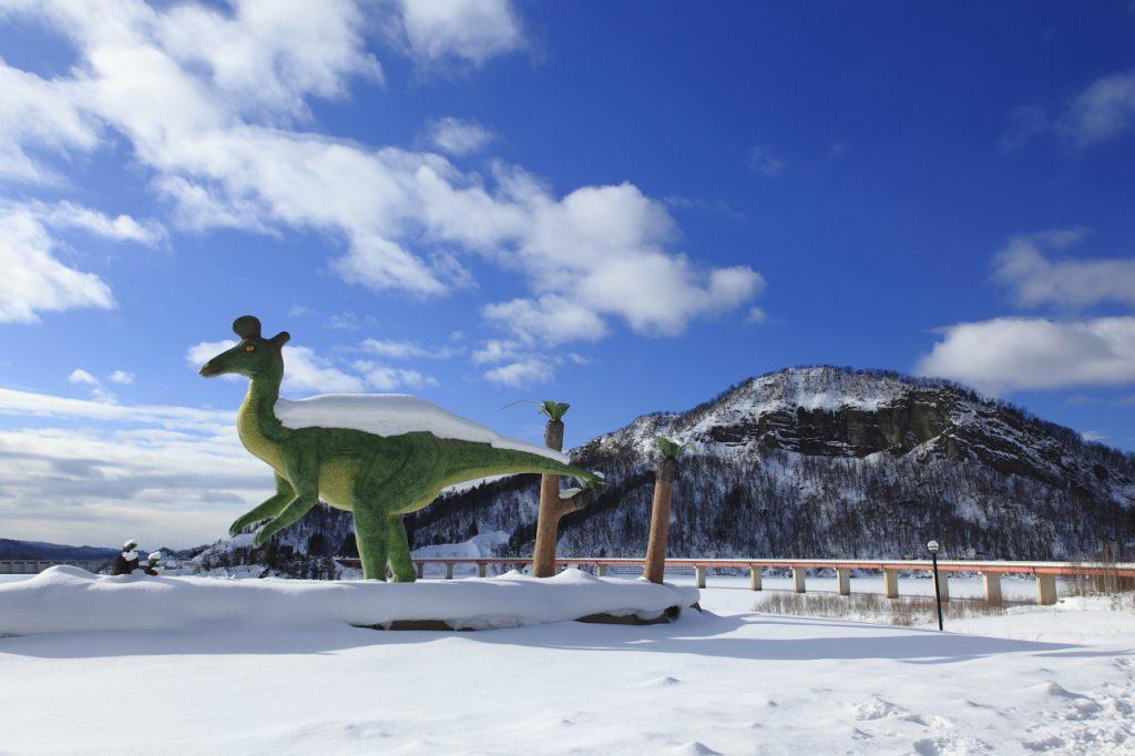恐竜カモハシリュウの復元模型/小平ダム公園(北海道/小平町)