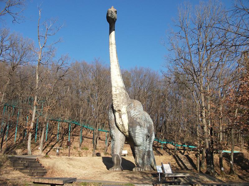 ブラキオサウルスの復元模型/佐野市運動公園(栃木県/佐野市)