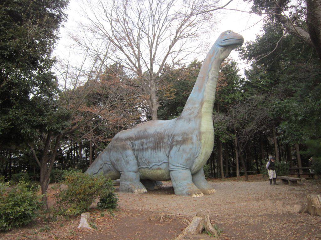 巨大な恐竜模型のすべり台/手賀の丘公園(千葉県/柏市)
