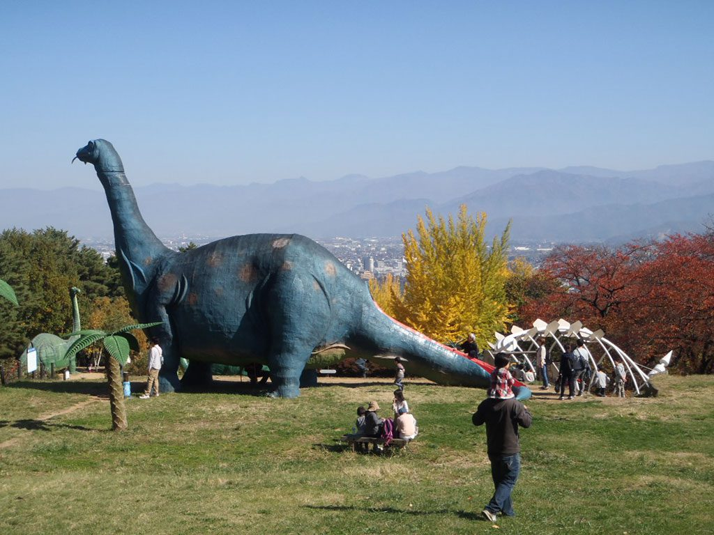 アパトサウルスの復元模型/長野市茶臼山恐竜園・自然植物園(長野県/長野市)
