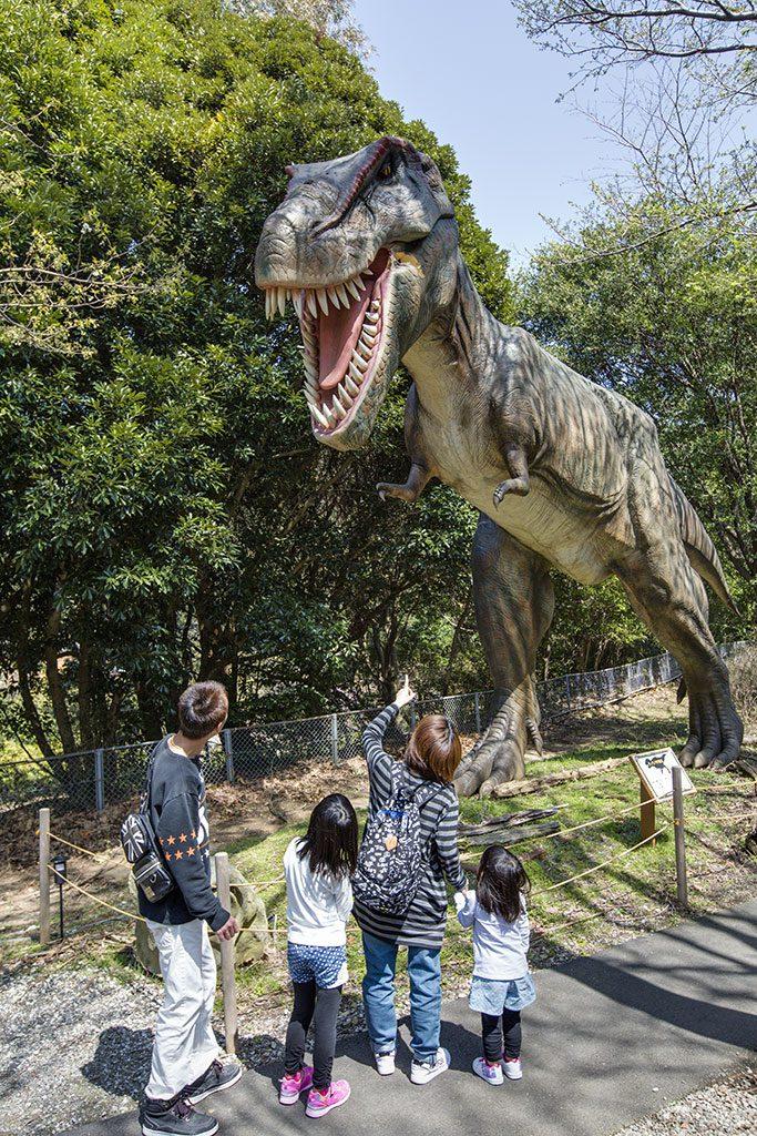 ティラノサウルスの復元模型/伊豆アニマルキングダム(静岡県/賀茂郡東伊豆町)