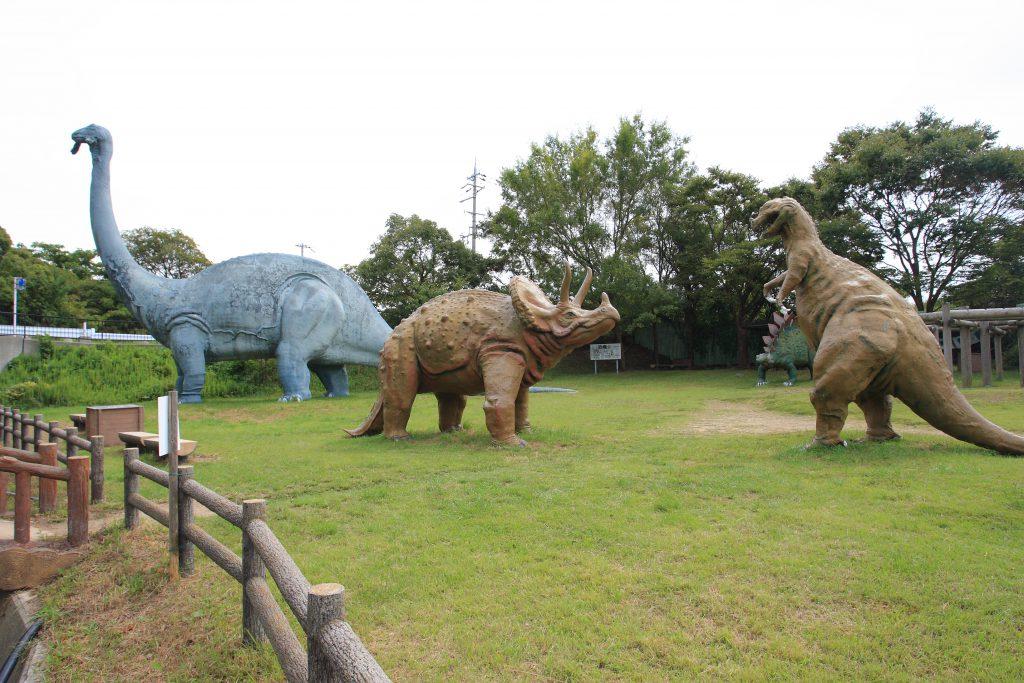 トリケラトプスとケラトサウルス/和歌山市森林公園(ちびっこ広場)(和歌山県/和歌山市)