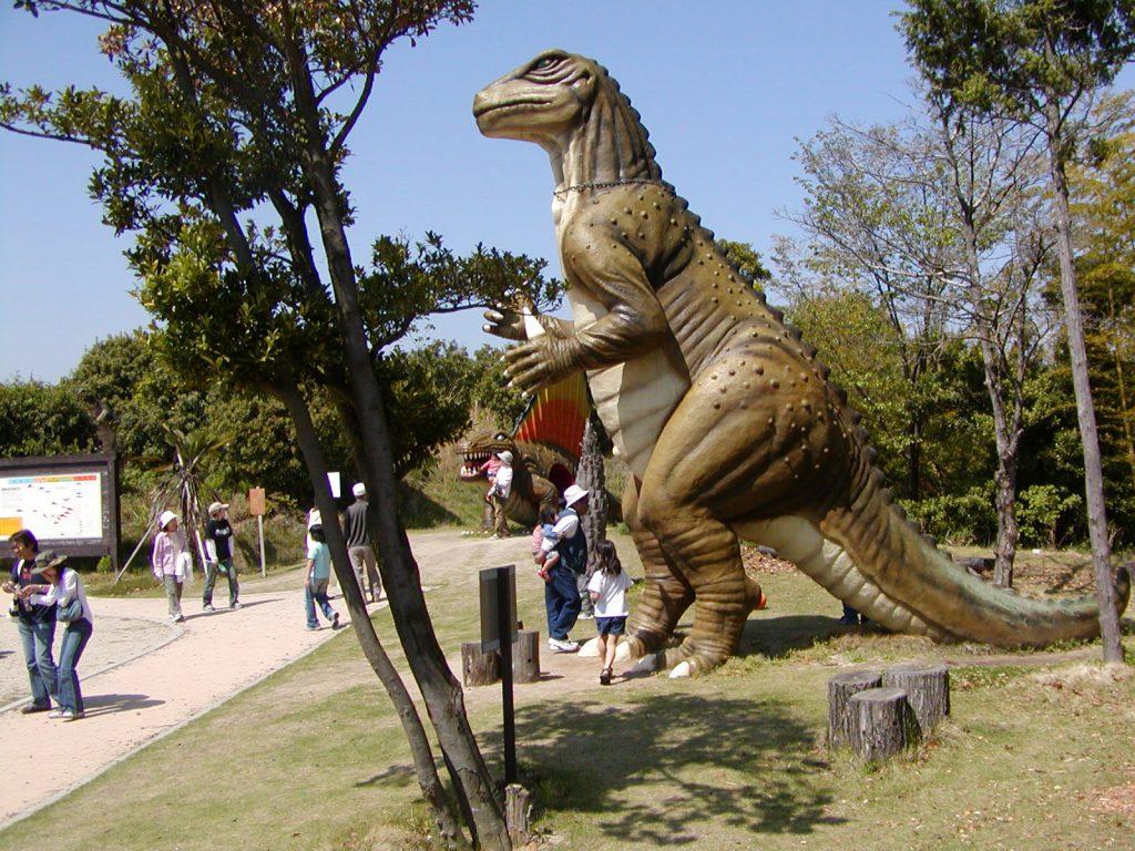 イグアノドンの復元模型/蜂ヶ峯総合公園(山口県/和木町)