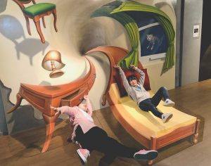 不思議な錯覚の世界へ!日本最大級トリックアートの体験型テーマパーク「那須とりっくあーとぴあ」