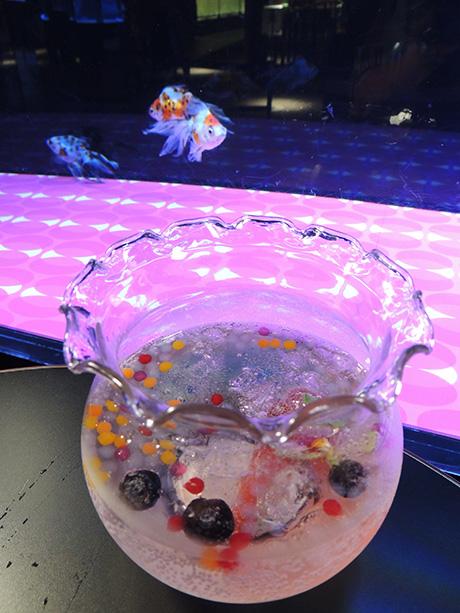 金魚の形をしたゼリーが入っている金魚ソーダ/すみだ水族館(東京都/墨田区)