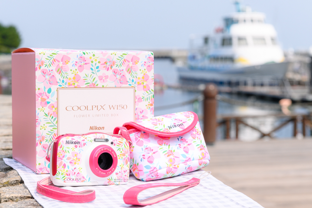 「COOLPIX W150 FLOWER LIMITED BOX」はこんな商品