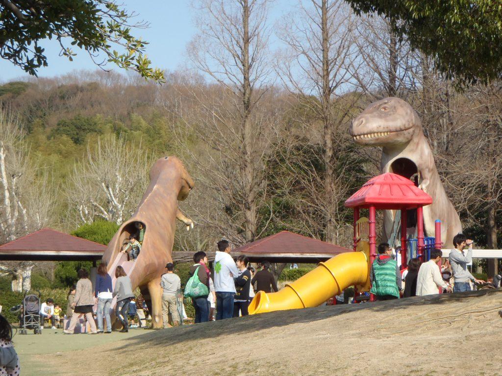 ティラノサウルスのすべり台/県営 大高緑地(恐竜広場)(愛知県/名古屋市)
