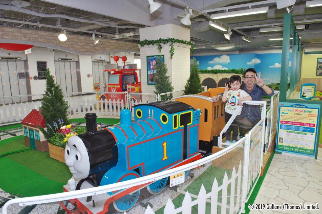 親子で乗れる「トーマスのなかよしトレイン」/トーマスステーション札幌