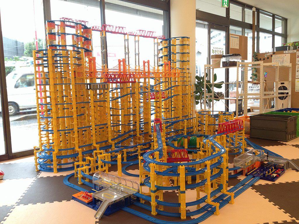 巨大プラレール展示/シェアキッズスペース あそびラボ(埼玉県/さいたま市)