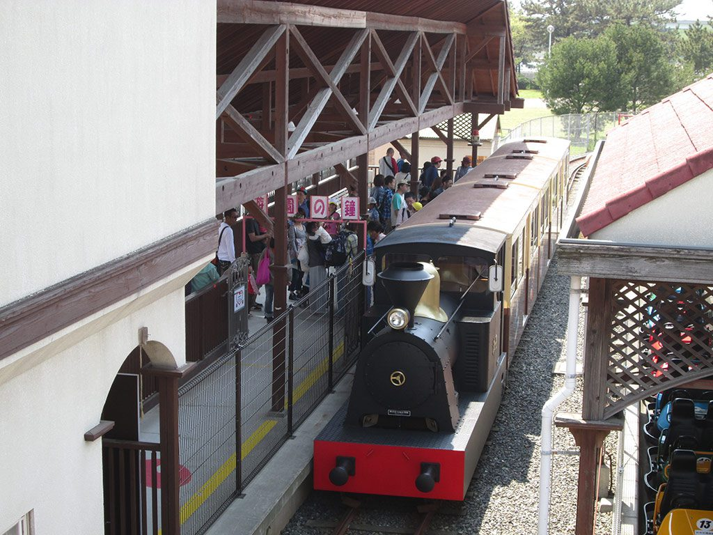 時速20kmで往復するSL型機関車/浜寺公園交通遊園(大阪府/高石市)