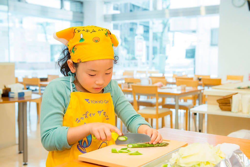 <春キャベツのサラダ>野菜を切る/東京ガス キッズインザキッチン 親子クラス