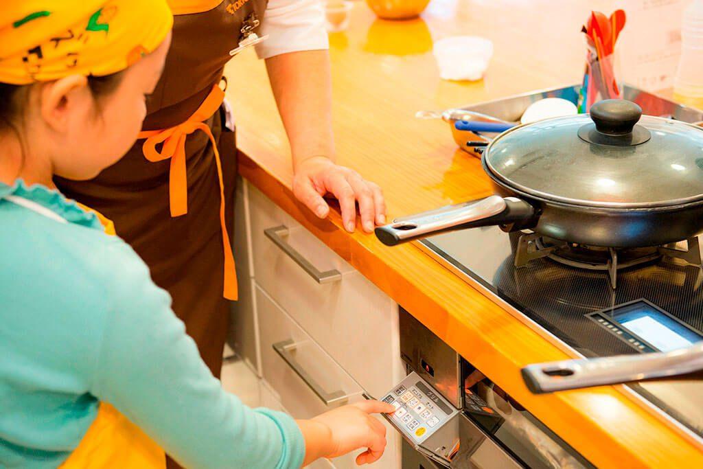 <春キャベツのサラダ>グリルで焼く/東京ガス キッズインザキッチン 親子クラス