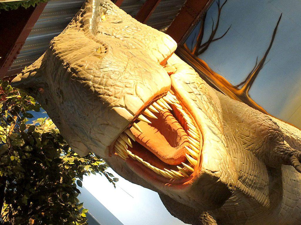 ティラノサウルスの復元模型/太古レストラン・酒場 ダイナソー(神奈川県/大和市)