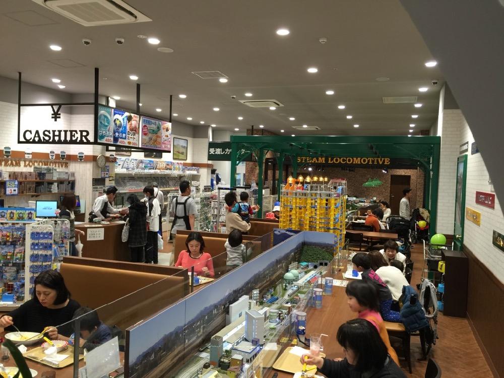 鉄道カフェ STEAM LOCOMOTIVE with ポポンデッタの店内(埼玉県/富士見市)